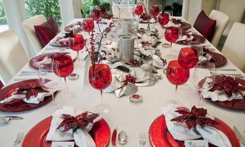 Adornos y decoraci n de navidad la mesa estilos ideas - Como decorar una mesa de comedor rectangular ...