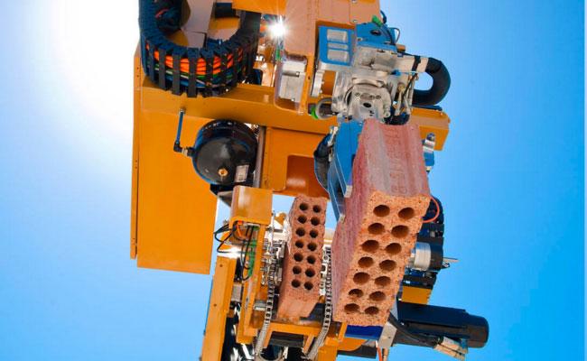 hadrian robot ladrillos