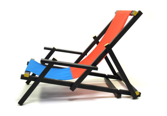 Tumbona para la playa inspirada en la silla rietveld for Silla roja y azul