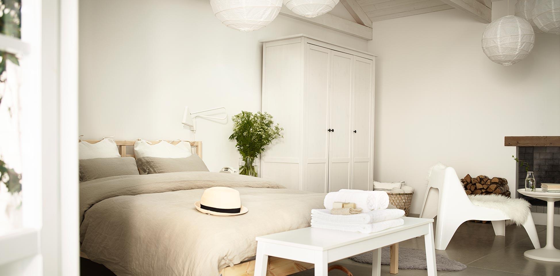 dormitorio colores blancos
