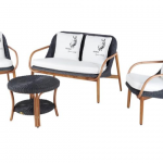 Las sillas de ratán, también en el interior