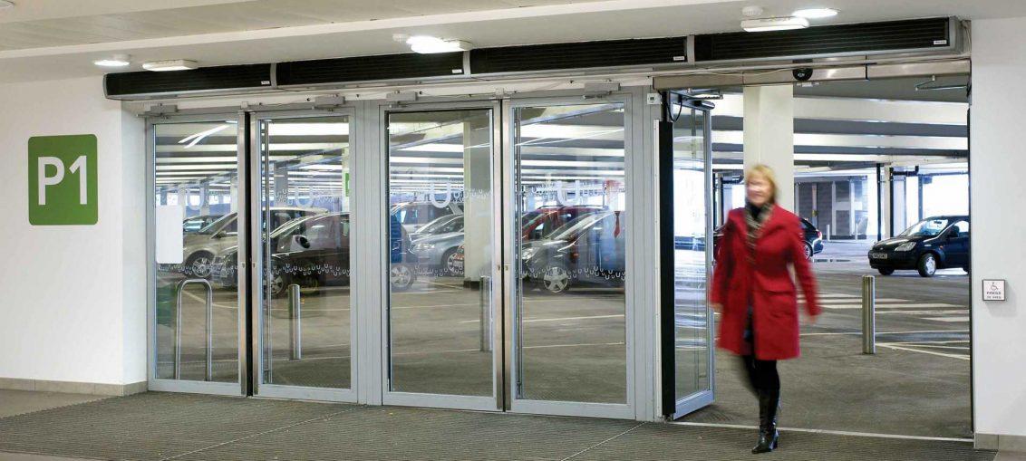 cortina de aire en parking