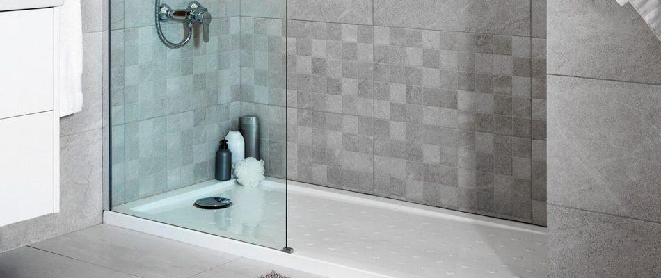 ducha en blanco