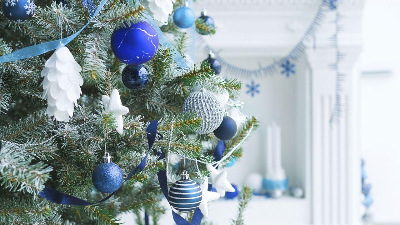 árbol navidad azul blanco