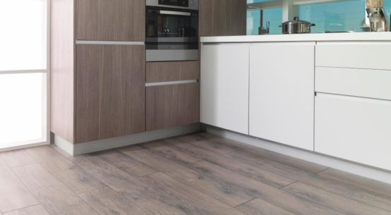 suelo laminado cocina