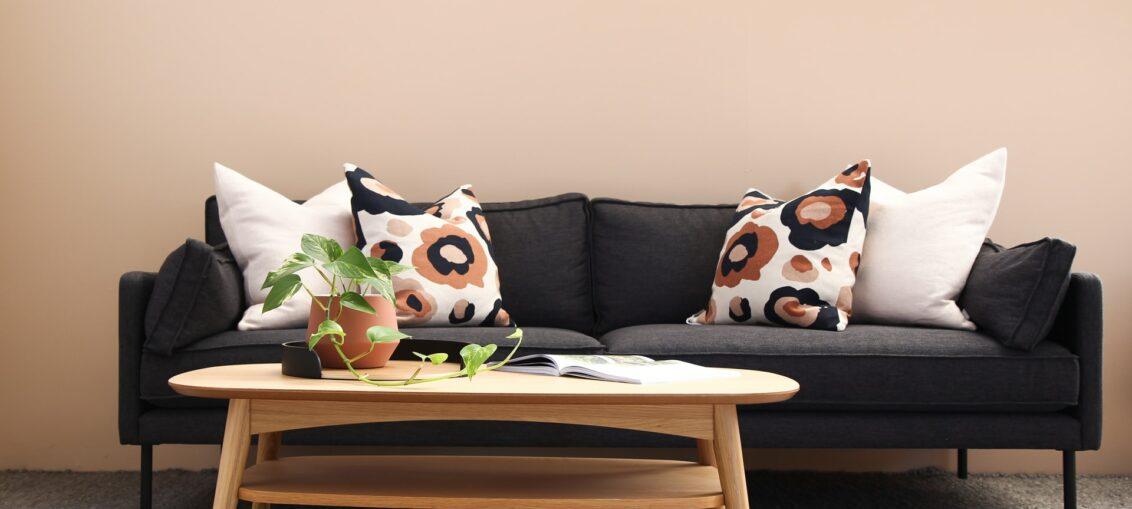sofá diseño negro